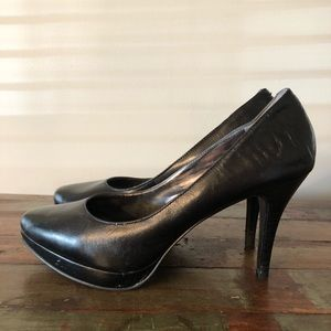 Nine West Black Leather Platform Pumps